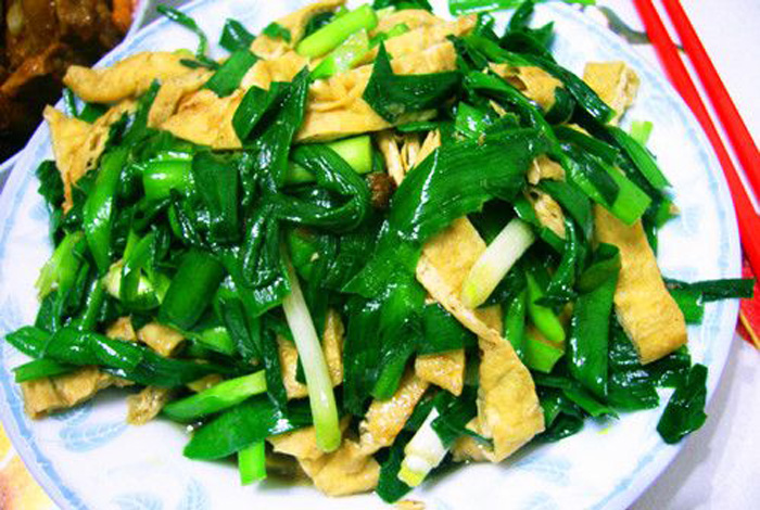 邹平孙大妈小吃培训韭菜炒豆腐的做法